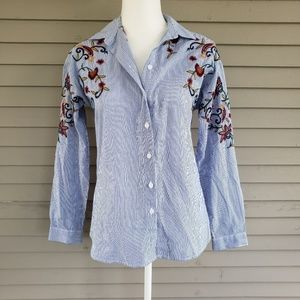 Beachlunchlounge Floral Embroidered Button Down